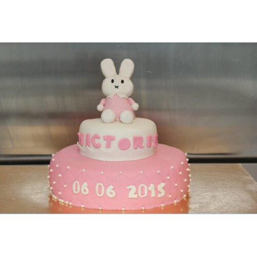 Dåbskage med kanin figur
